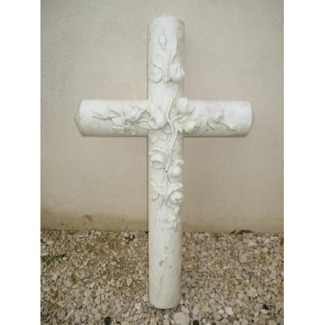 Croix en marbre blanc de carrare
