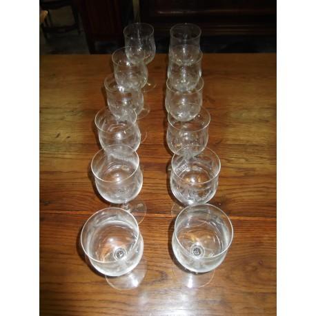 12 verres à pied